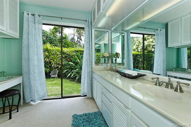 5240  Papai Street Aina Haina Area, Diamond Head home - photo 11 of 19