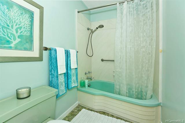5240  Papai Street Aina Haina Area, Diamond Head home - photo 13 of 19