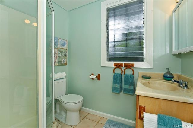 5240  Papai Street Aina Haina Area, Diamond Head home - photo 15 of 19