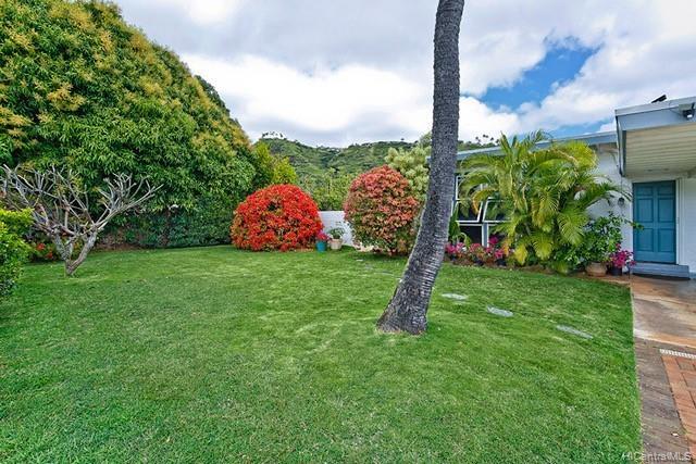 5240  Papai Street Aina Haina Area, Diamond Head home - photo 17 of 19