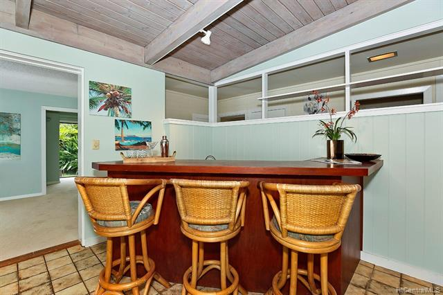5240  Papai Street Aina Haina Area, Diamond Head home - photo 8 of 19