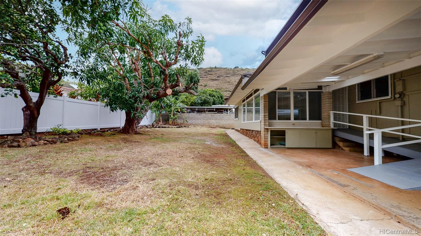 5276  Kimokeo Street Aina Haina Area, Diamond Head home - photo 20 of 25