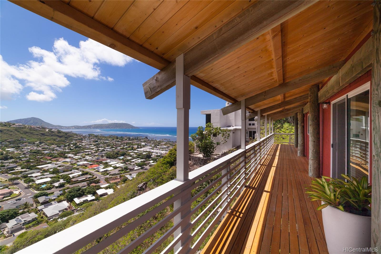 5283  Poola Street Waialae Iki, Diamond Head home - photo 4 of 24