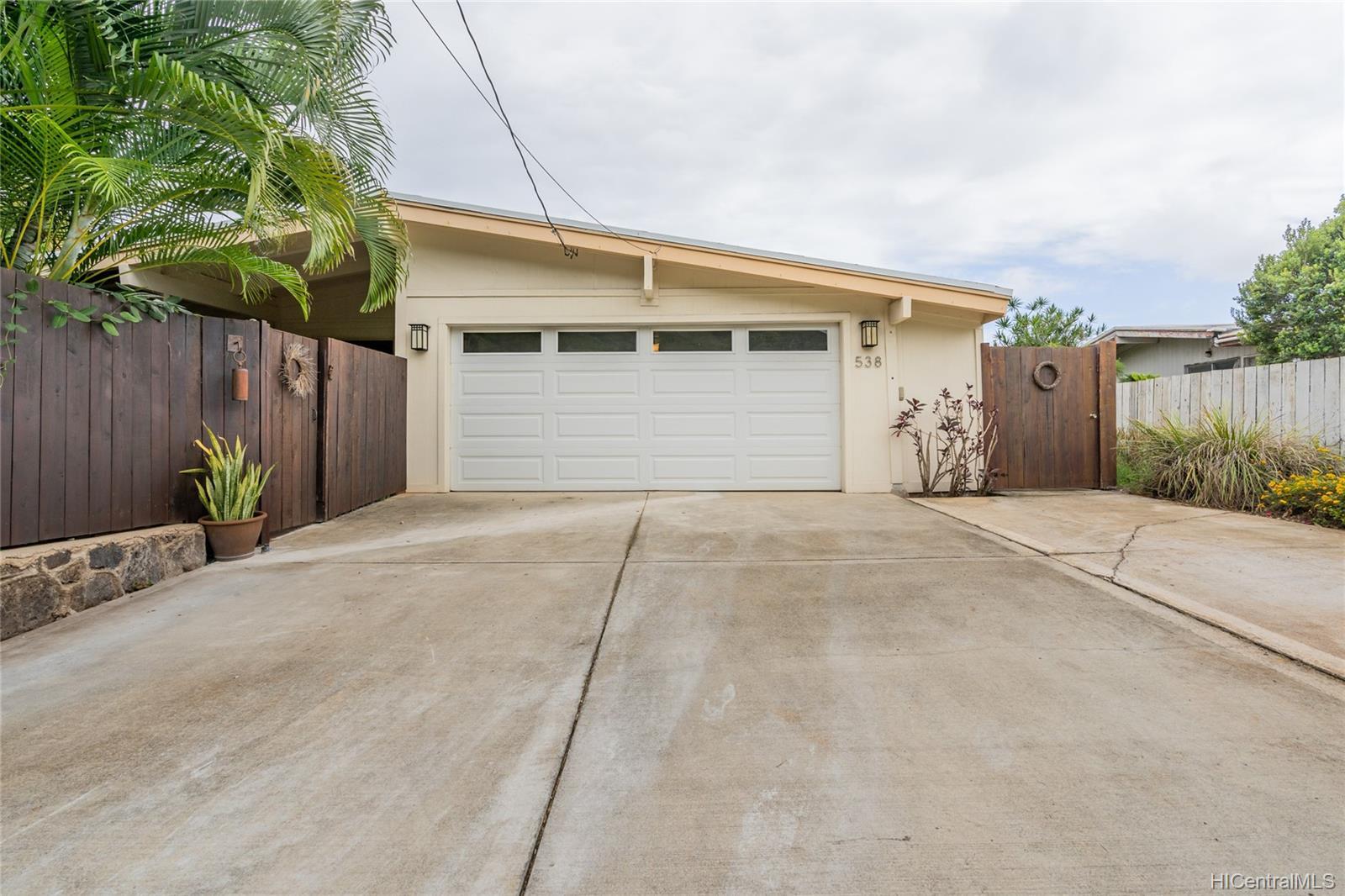 538  Ilimano Street Kalaheo Hillside, Kailua home - photo 5 of 25