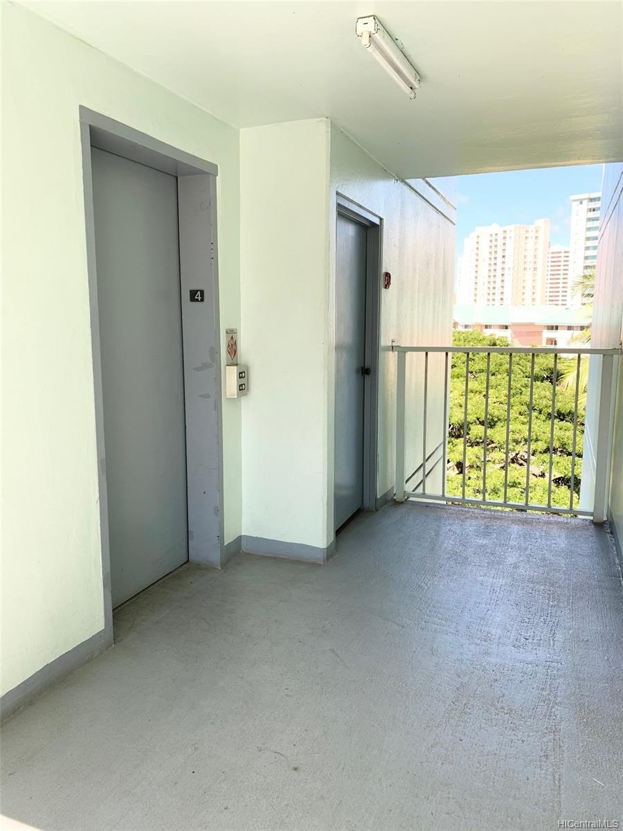 Greenway condo # 401, Honolulu, Hawaii - photo 16 of 20