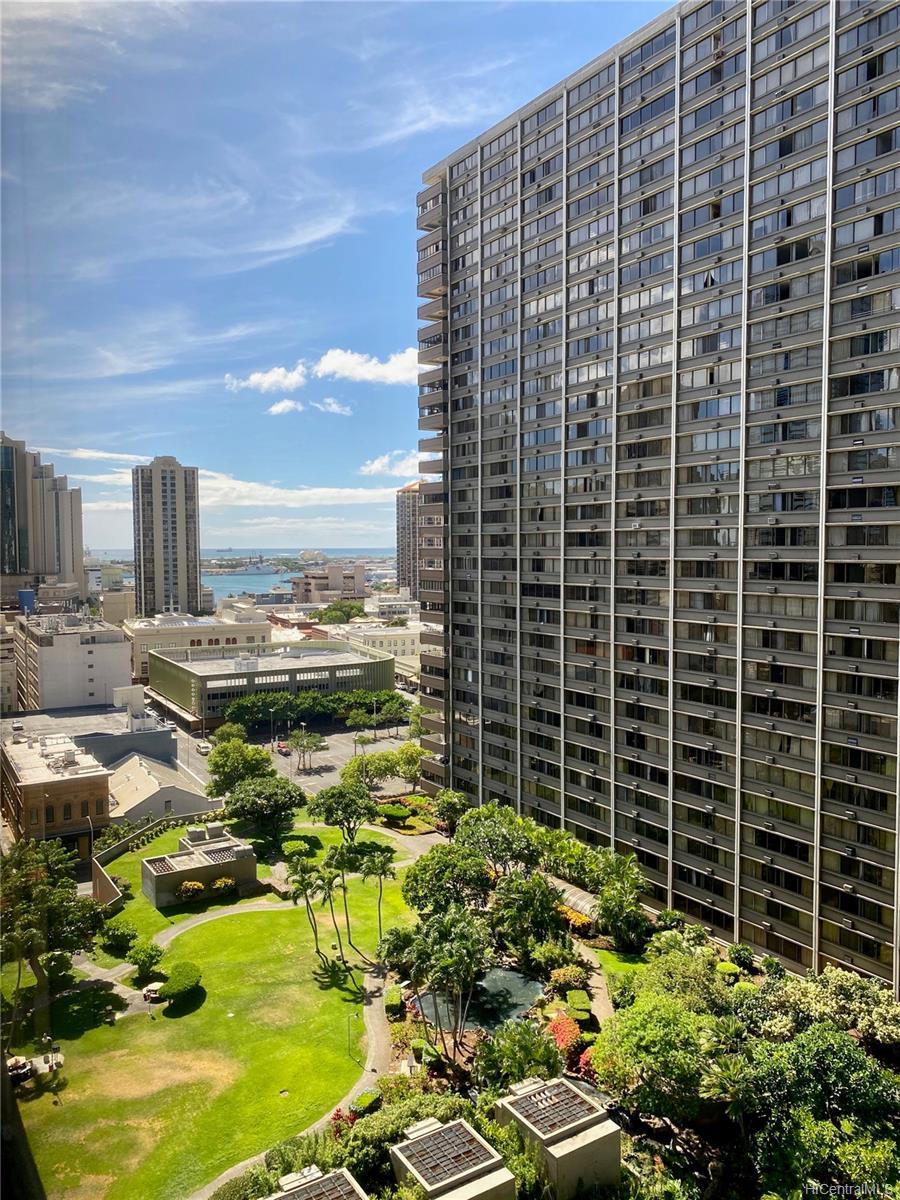 Kukui Plaza condo # D1607, Honolulu, Hawaii - photo 1 of 13