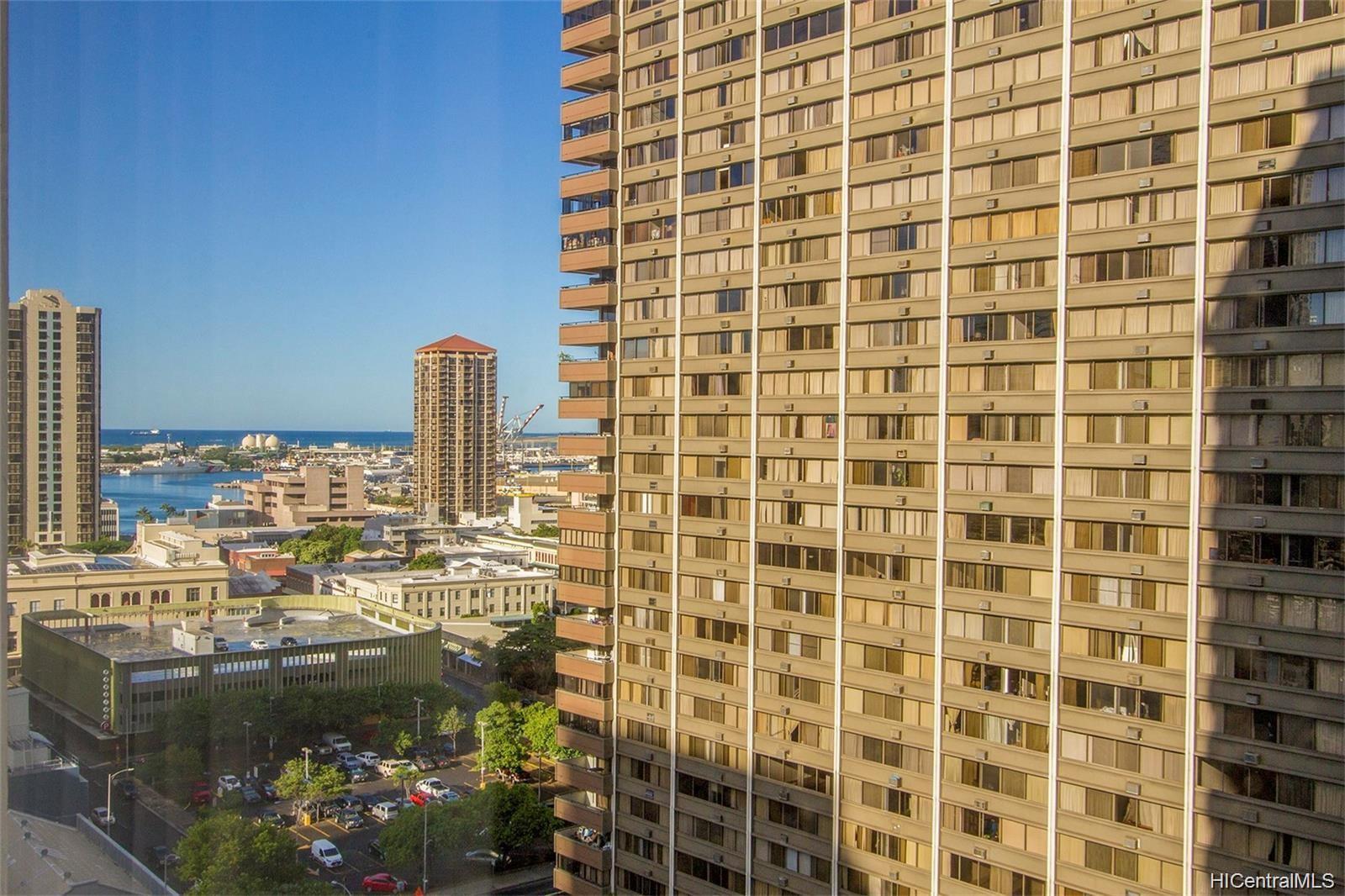 Kukui Plaza condo # D1703, Honolulu, Hawaii - photo 16 of 24