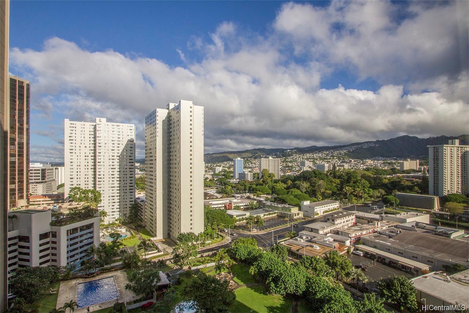 Kukui Plaza condo # D1703, Honolulu, Hawaii - photo 17 of 24