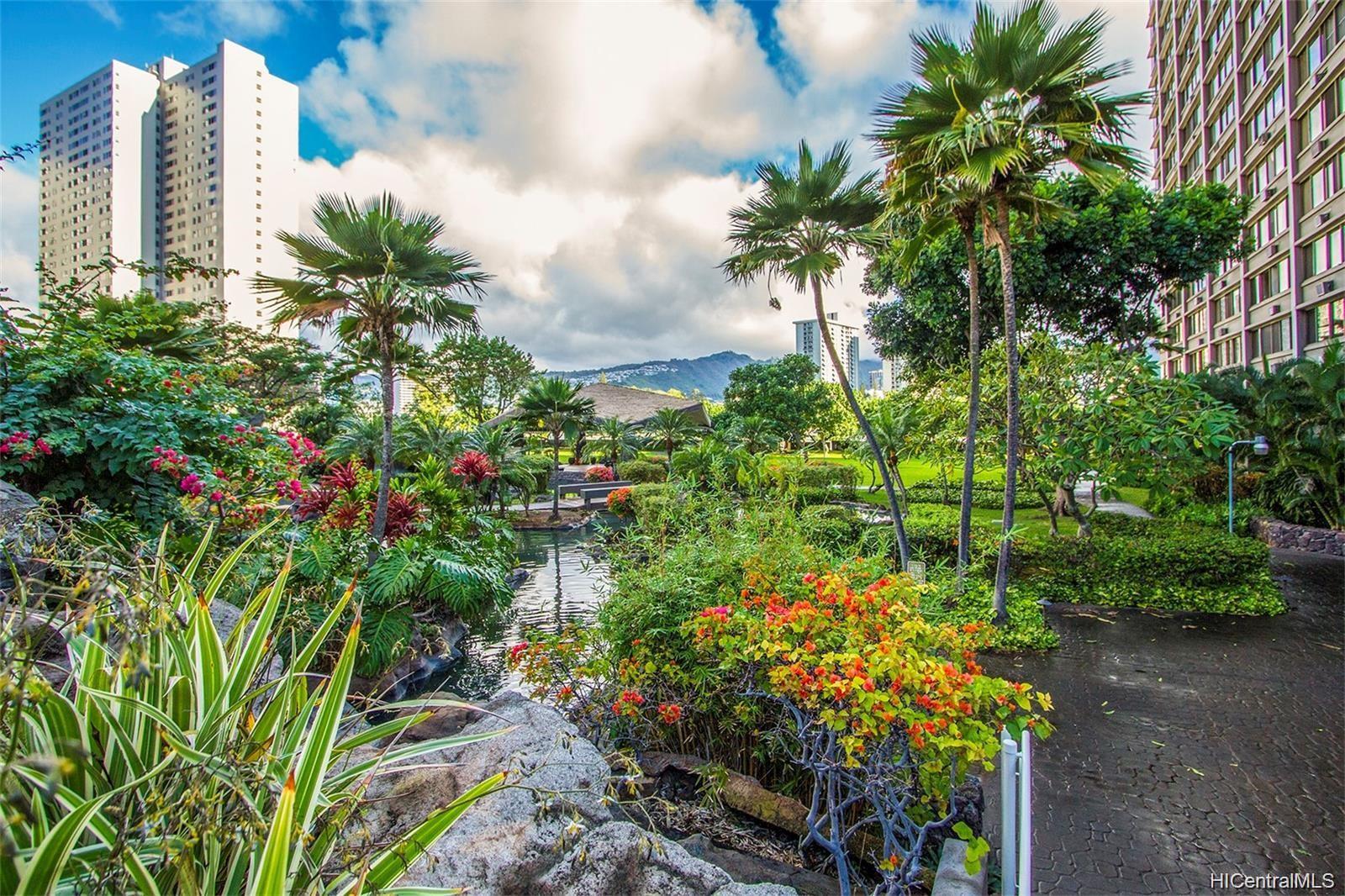Kukui Plaza condo # D1703, Honolulu, Hawaii - photo 19 of 24