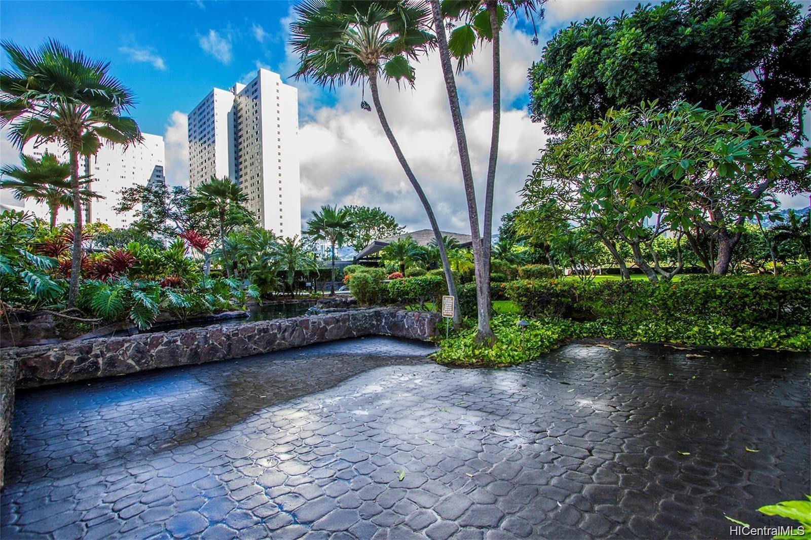 Kukui Plaza condo # D1703, Honolulu, Hawaii - photo 23 of 24