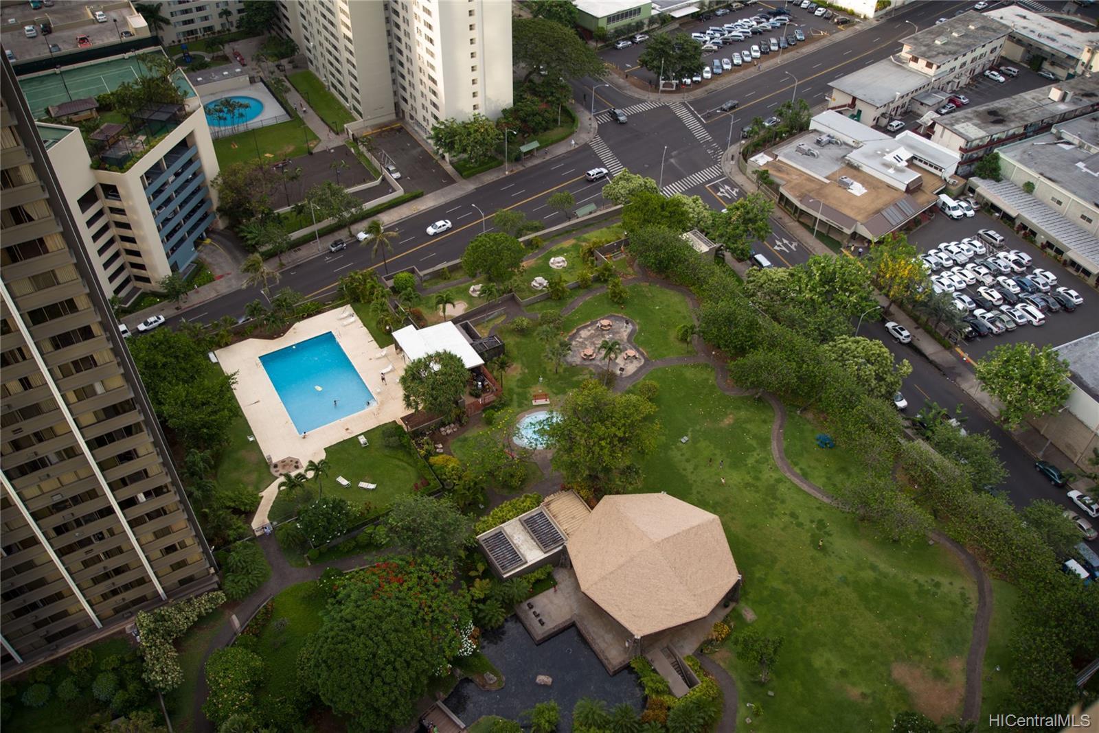 Kukui Plaza condo # D3201, Honolulu, Hawaii - photo 22 of 25