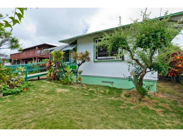 550  Kawainui St Coconut Grove, Kailua home - photo 2 of 16