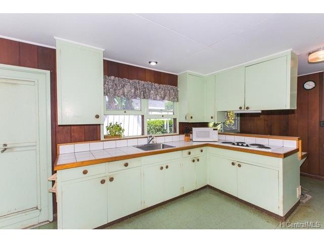 5538  Pia St Niu Valley, Diamond Head home - photo 4 of 12