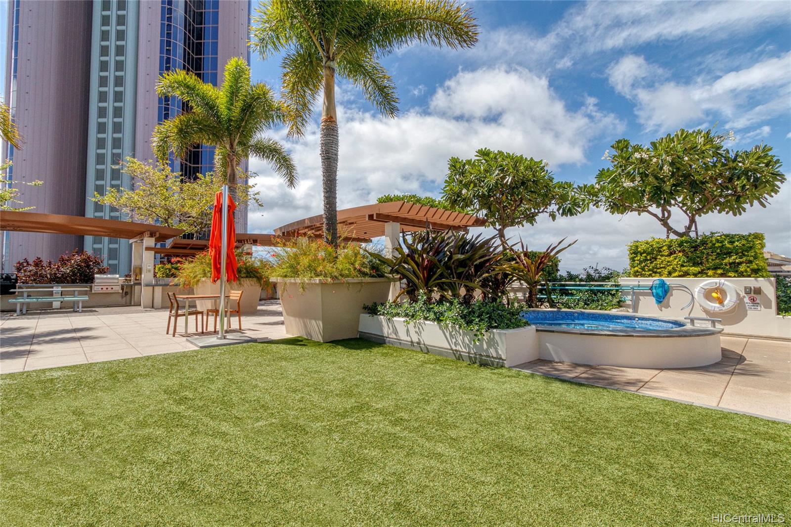 Keauhou Place condo # 1301, Honolulu, Hawaii - photo 19 of 25