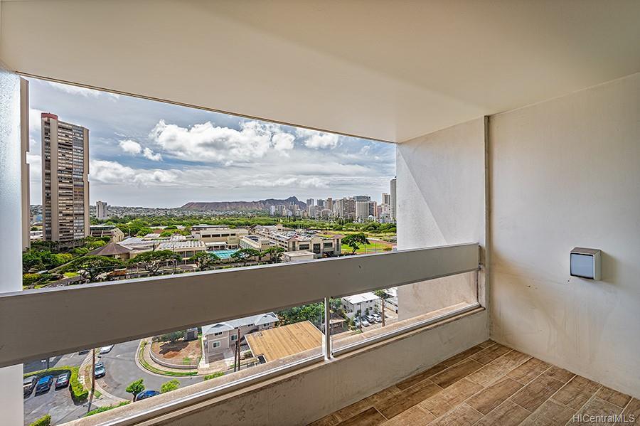 Ala Wai Plaza Skyrise condo # 1404, Honolulu, Hawaii - photo 12 of 22