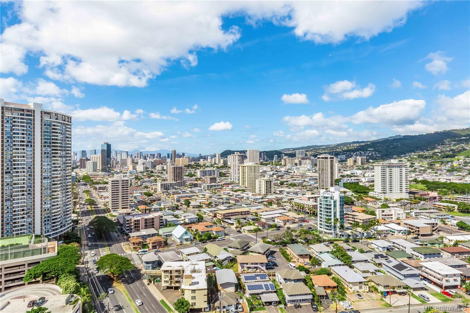 Ala Wai Plaza Skyrise condo # 2606, Honolulu, Hawaii - photo 17 of 21