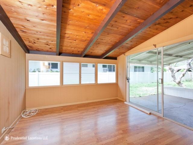 5572  Pia St Niu Valley, Diamond Head home - photo 4 of 10