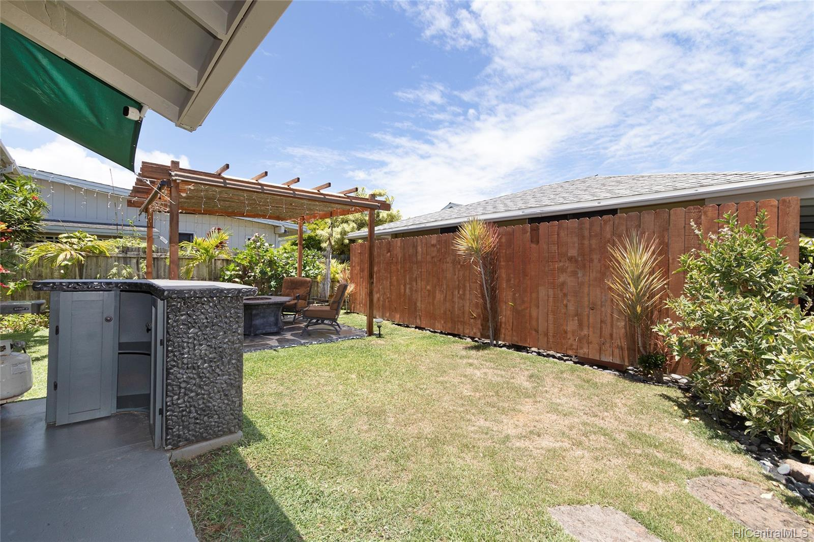 558  Hooulu Street Coconut Grove, Kailua home - photo 19 of 25