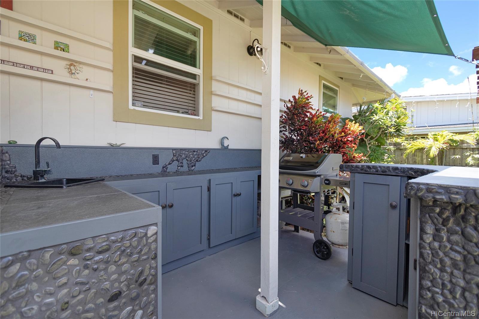 558  Hooulu Street Coconut Grove, Kailua home - photo 20 of 25