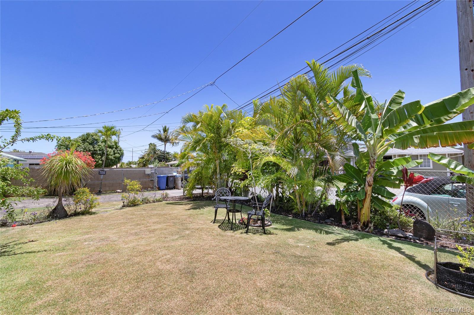 558  Hooulu Street Coconut Grove, Kailua home - photo 3 of 25