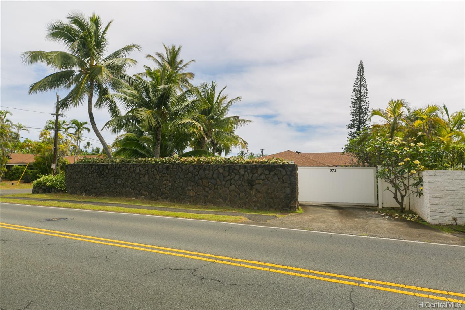 572  Kalaheo Ave Beachside, Kailua home - photo 12 of 25