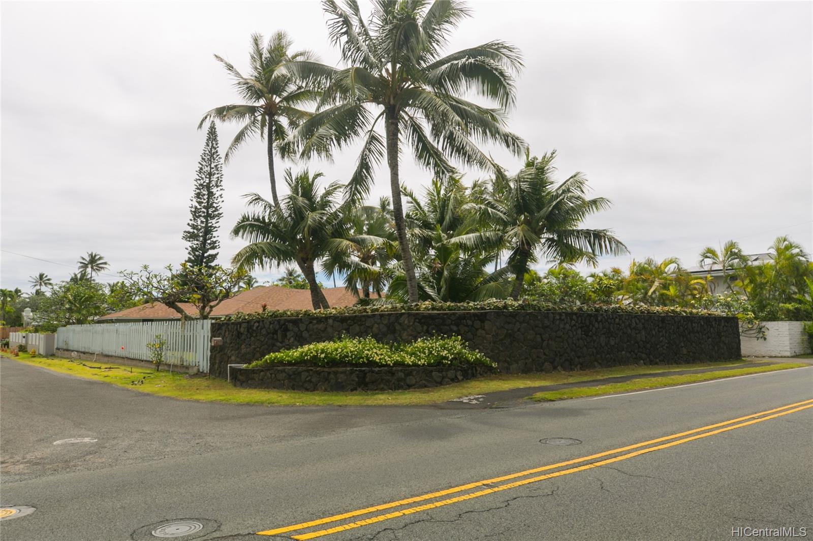572  Kalaheo Ave Beachside, Kailua home - photo 13 of 25