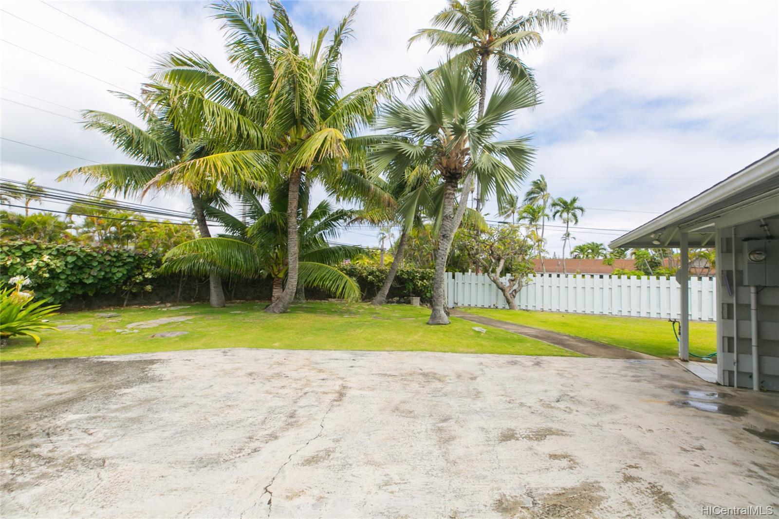 572  Kalaheo Ave Beachside, Kailua home - photo 8 of 25