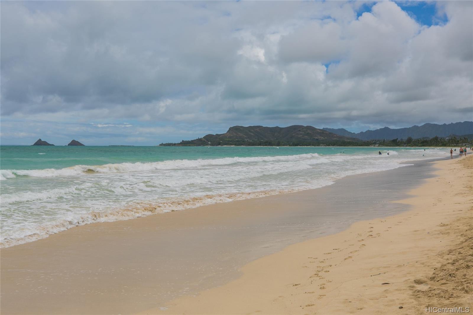 572  Kalaheo Ave Beachside, Kailua home - photo 9 of 25