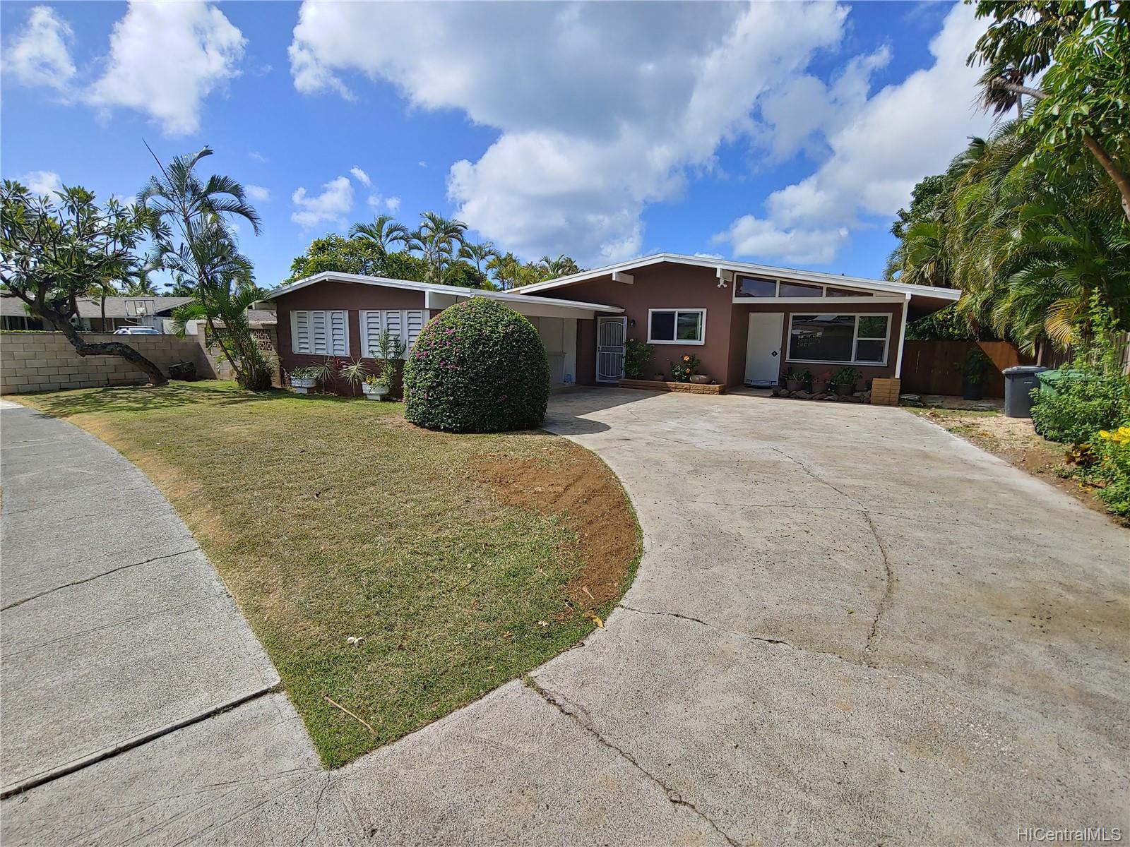 592  Poipu Drive Triangle, Hawaii Kai home - photo 1 of 23