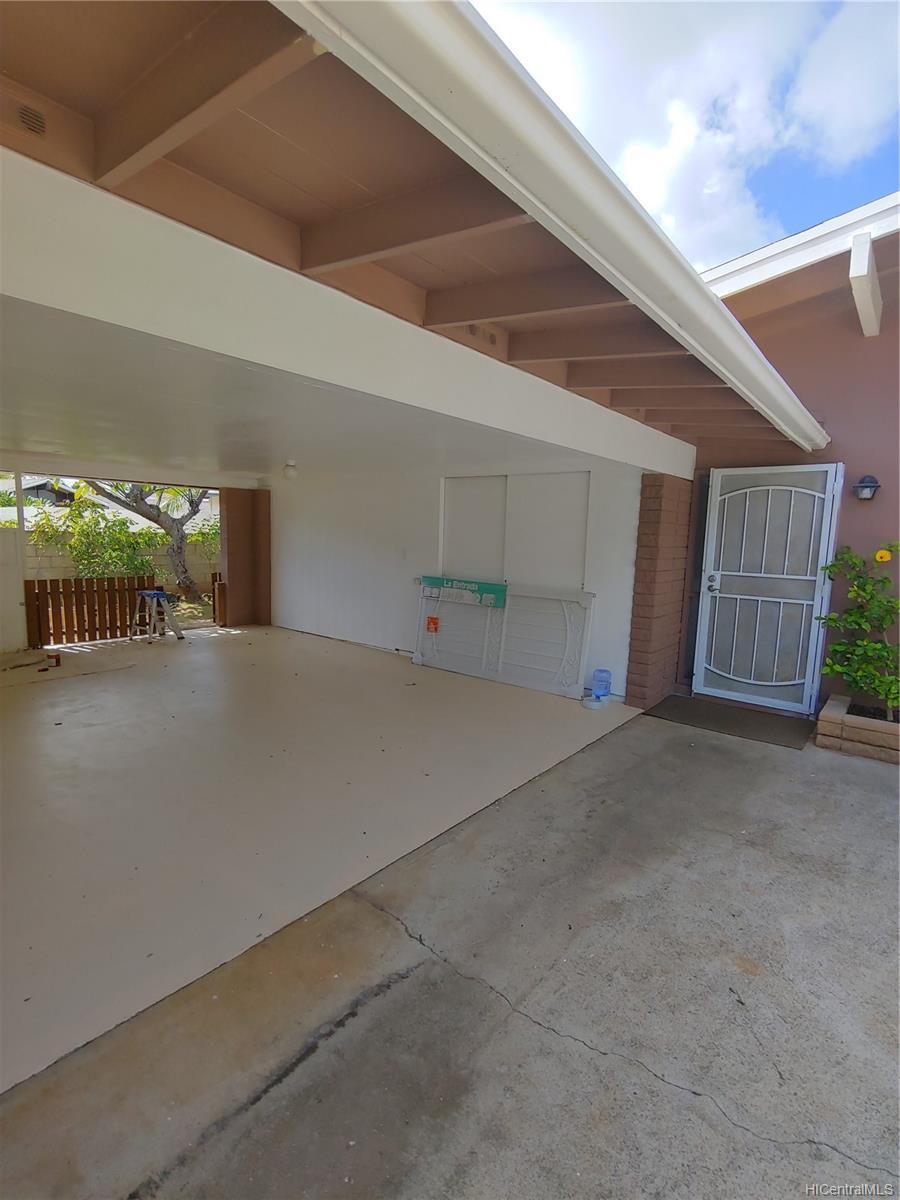 592  Poipu Drive Triangle, Hawaii Kai home - photo 2 of 23