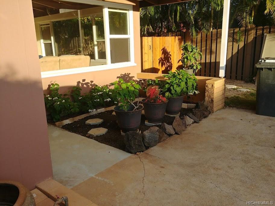 592  Poipu Drive Triangle, Hawaii Kai home - photo 17 of 23
