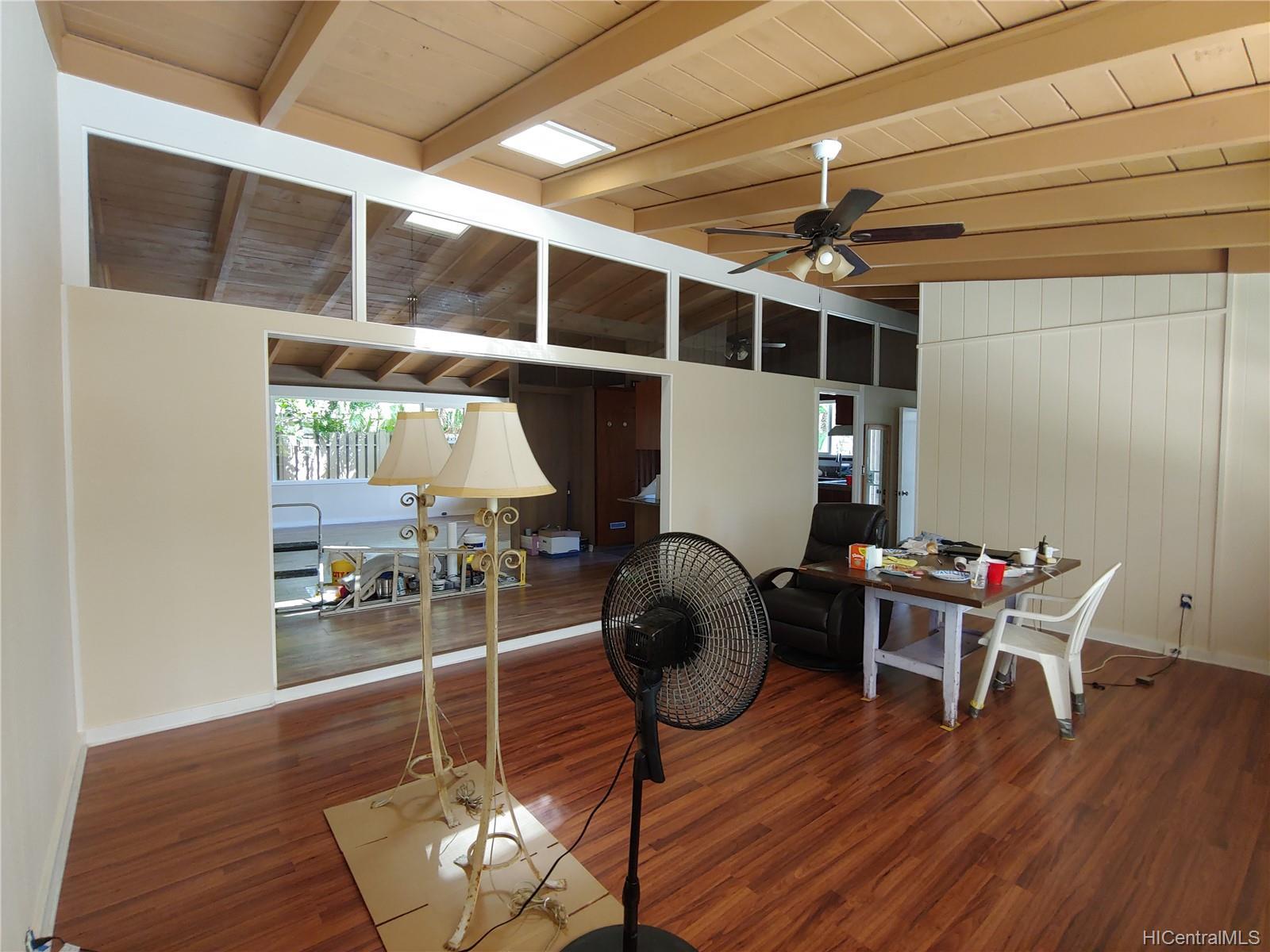 592  Poipu Drive Triangle, Hawaii Kai home - photo 3 of 23