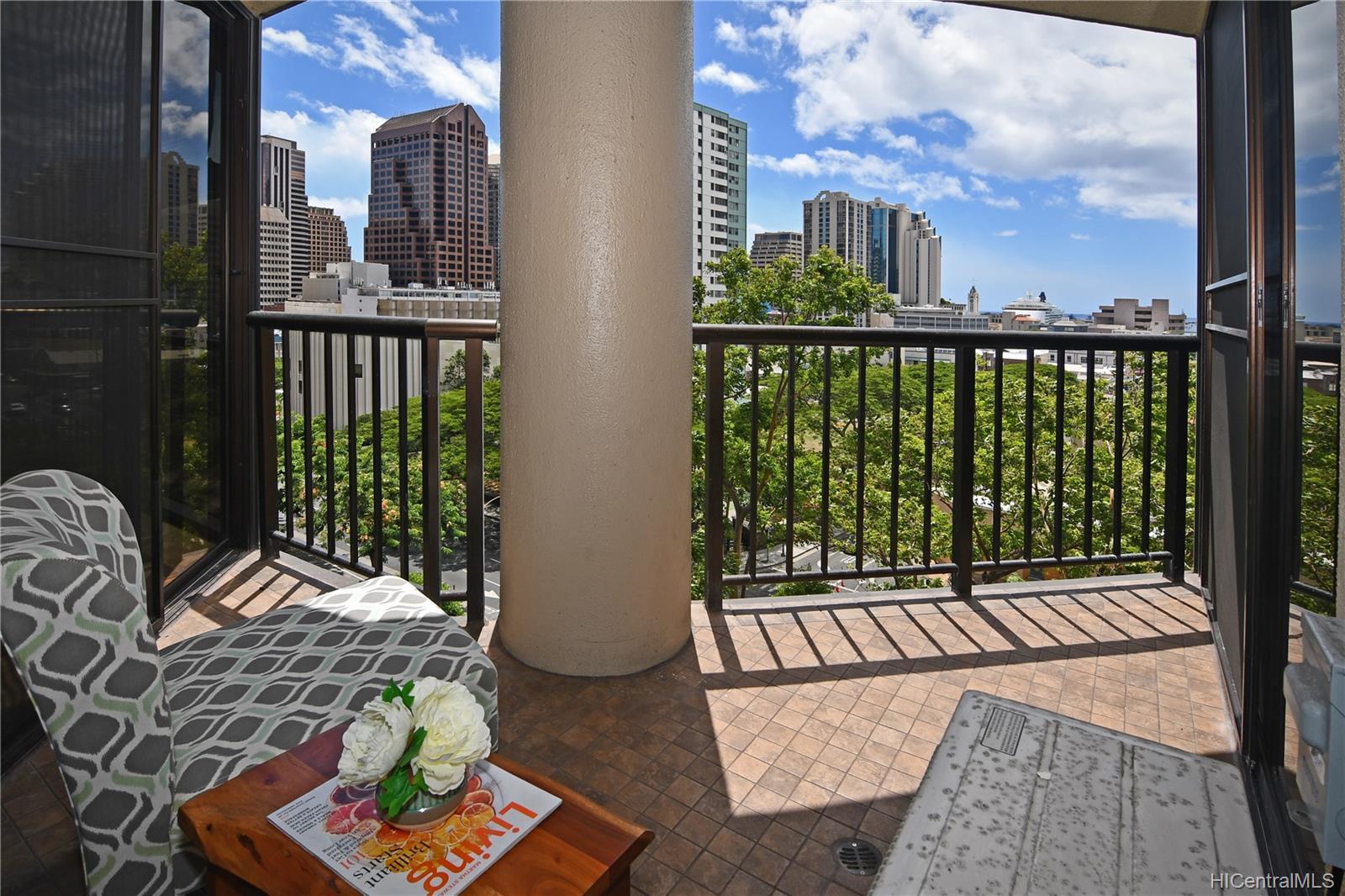 Honolulu Tower condo # 1010, Honolulu, Hawaii - photo 13 of 18