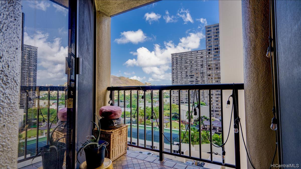 Honolulu Tower condo # 1407, Honolulu, Hawaii - photo 9 of 15
