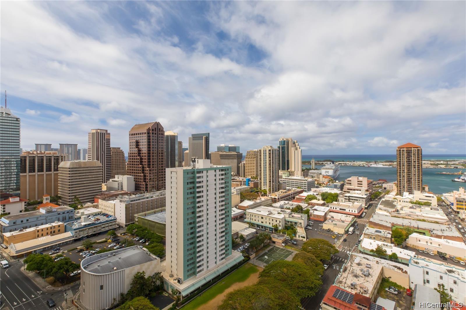 Honolulu Tower condo # 2701, Honolulu, Hawaii - photo 13 of 17