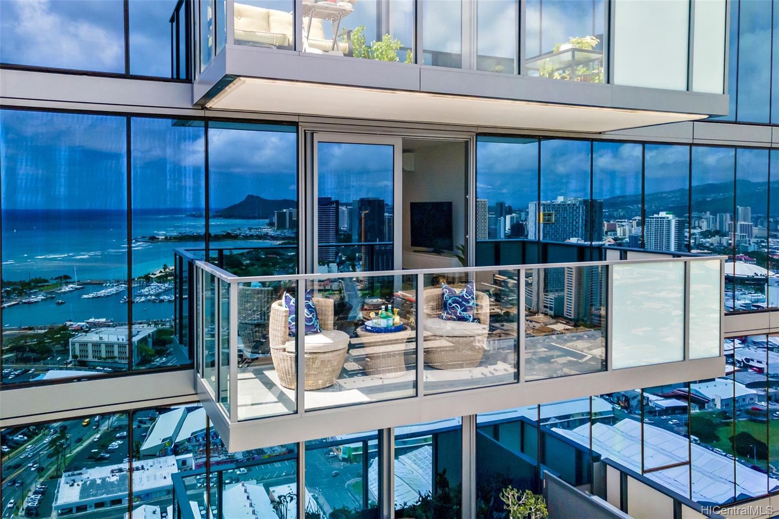 The Collection condo # 4203, Honolulu, Hawaii - photo 4 of 24