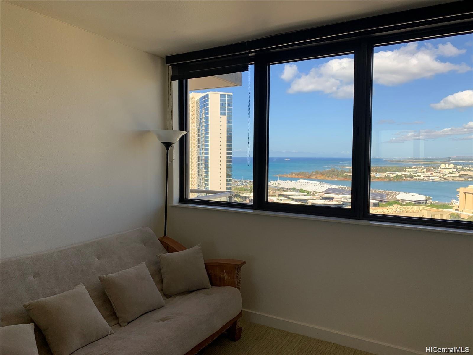 600 Queen Street Honolulu - Rental - photo 6 of 11