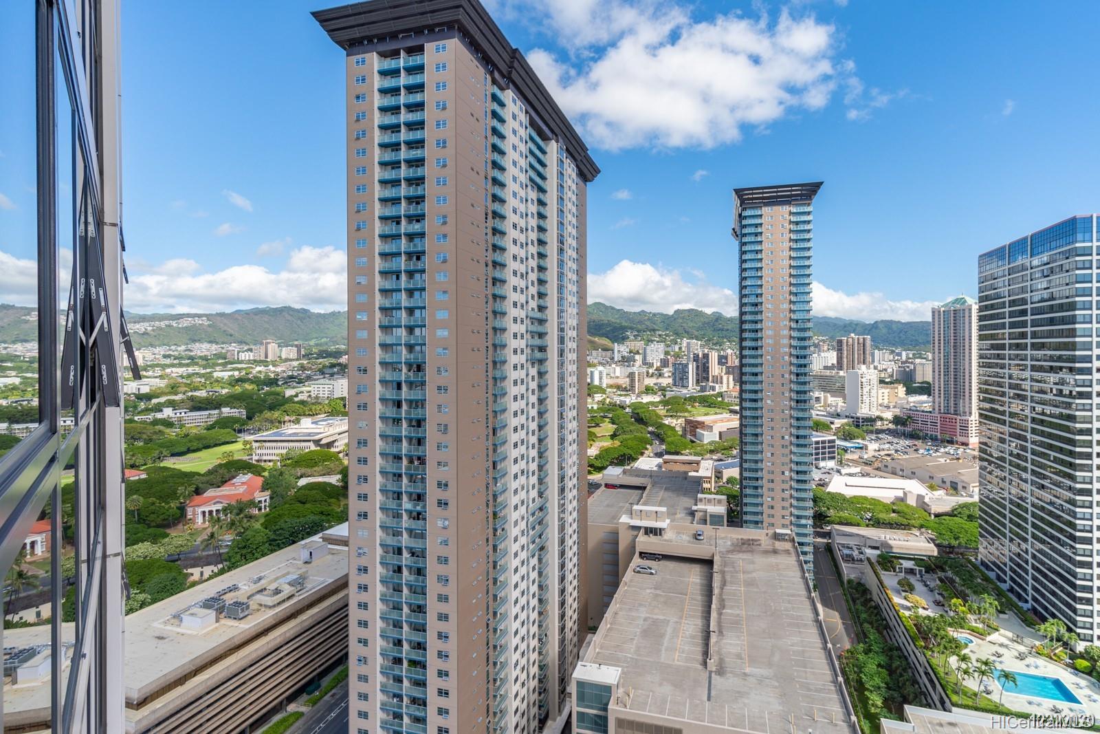 600 Queen St Honolulu - Rental - photo 8 of 21