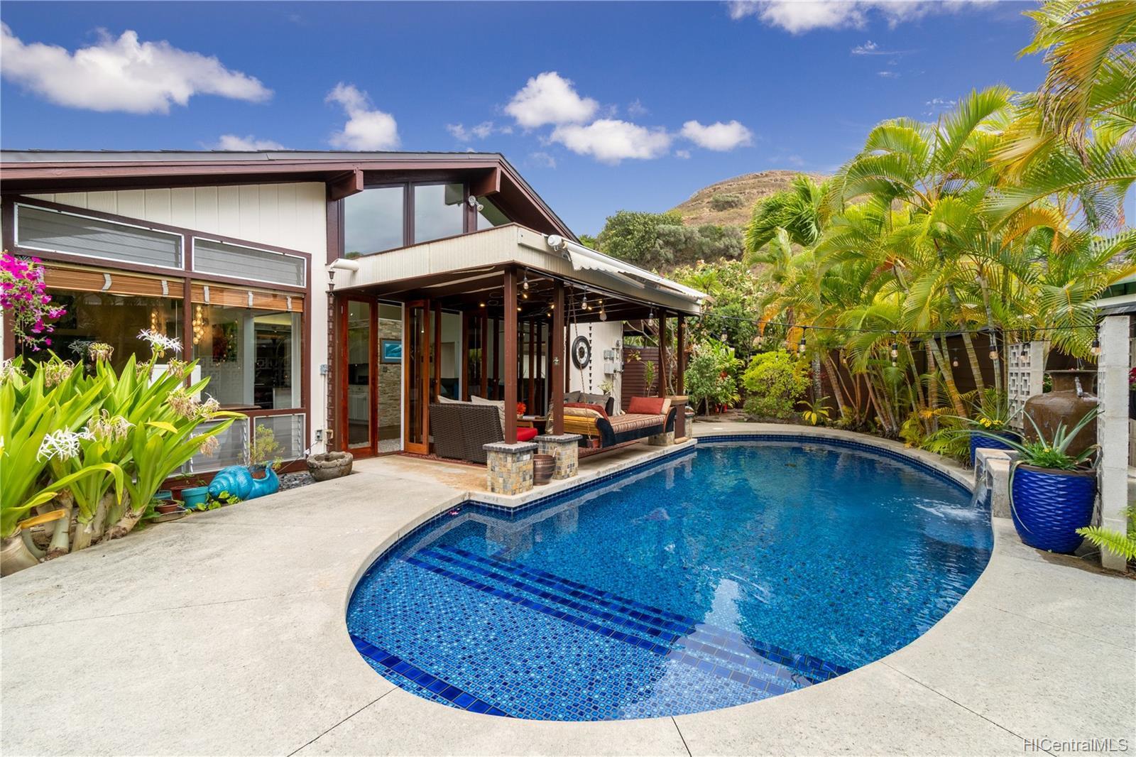 603  Alihi Place Enchanted Lake, Kailua home - photo 4 of 19