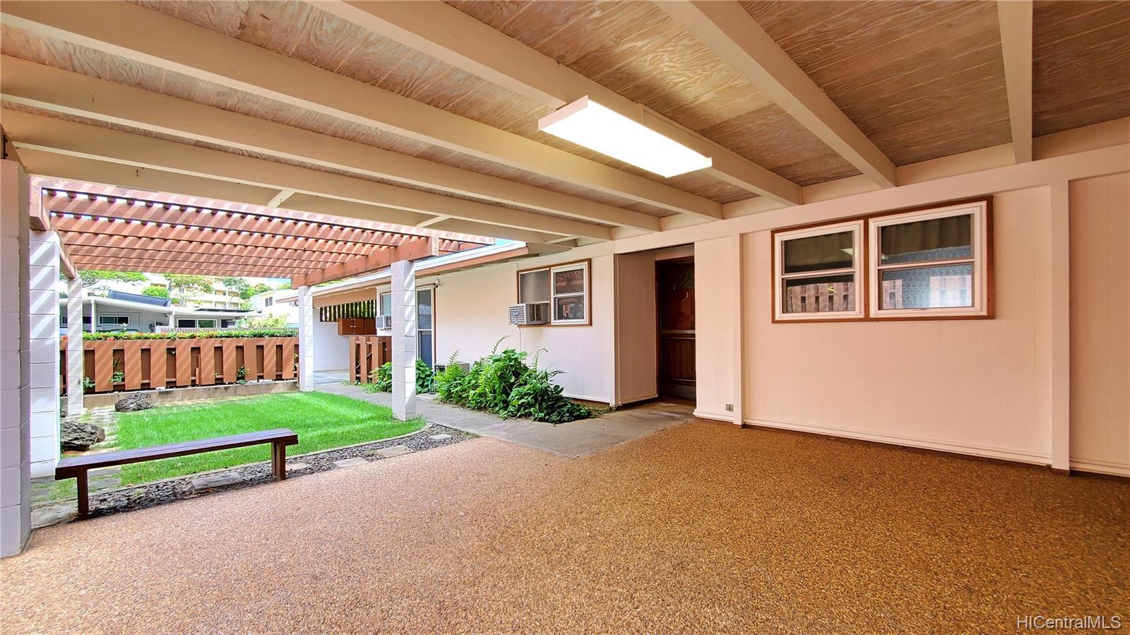606  Kapaia Street Koko Head Terrace, Hawaii Kai home - photo 8 of 14
