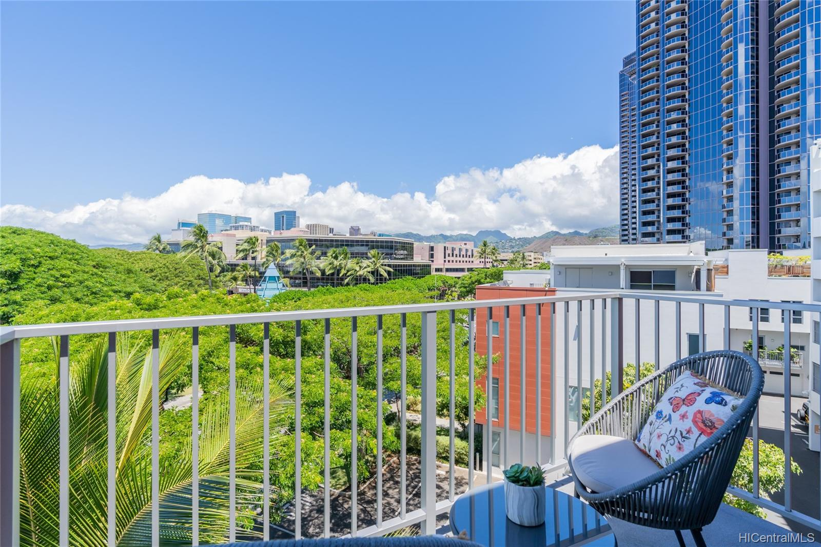 The Collection condo # M401, Honolulu, Hawaii - photo 12 of 25