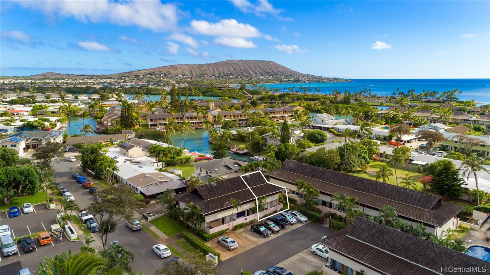6225 Kawaihae Place townhouse # C101, Honolulu, Hawaii - photo 1 of 25