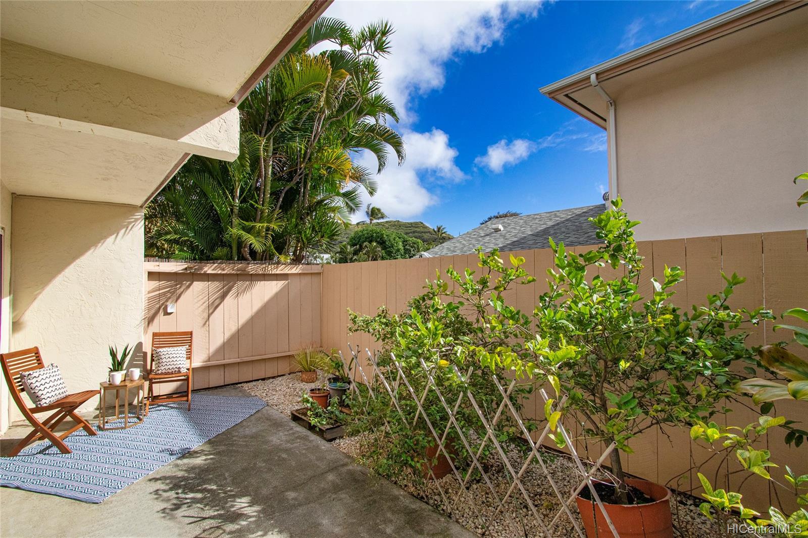 6225 Kawaihae Place townhouse # C101, Honolulu, Hawaii - photo 11 of 25