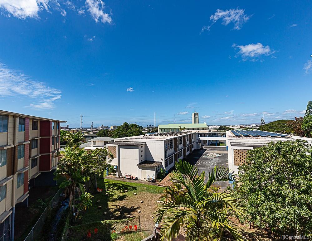 Nalanui Hale condo # 403, Honolulu, Hawaii - photo 13 of 15