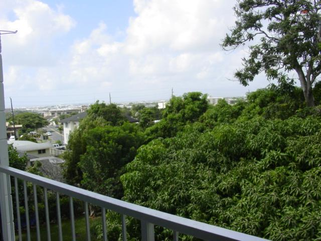 Kunawai Terrace condo # C514, Honolulu, Hawaii - photo 9 of 17
