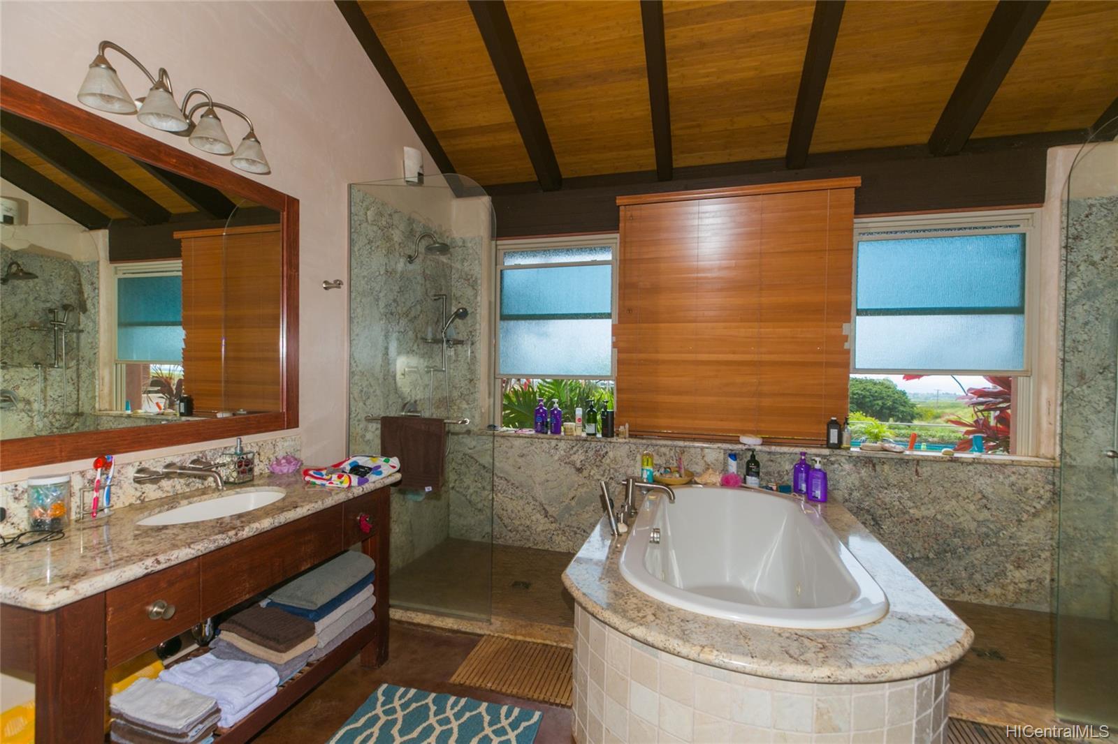 65-1040  Poamoho St Waialua, North Shore home - photo 17 of 25