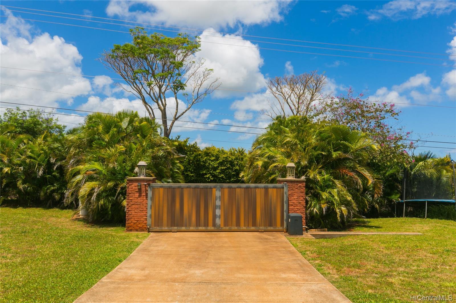 65-1040  Poamoho St Waialua, North Shore home - photo 5 of 25