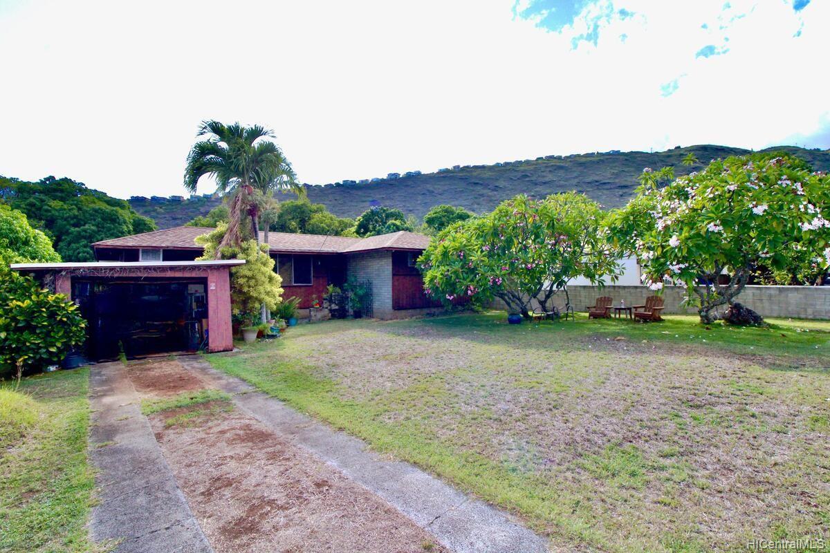 652  Lawelawe Street Aina Haina Area, Diamond Head home - photo 1 of 24