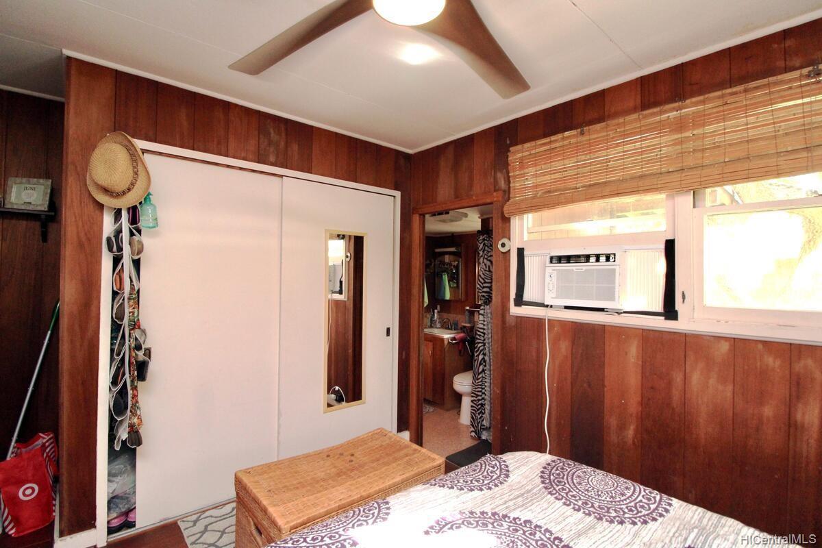 652  Lawelawe Street Aina Haina Area, Diamond Head home - photo 19 of 24
