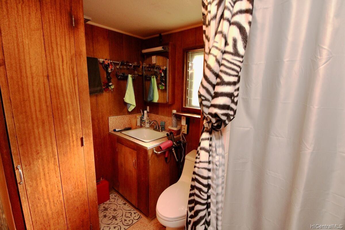 652  Lawelawe Street Aina Haina Area, Diamond Head home - photo 20 of 24